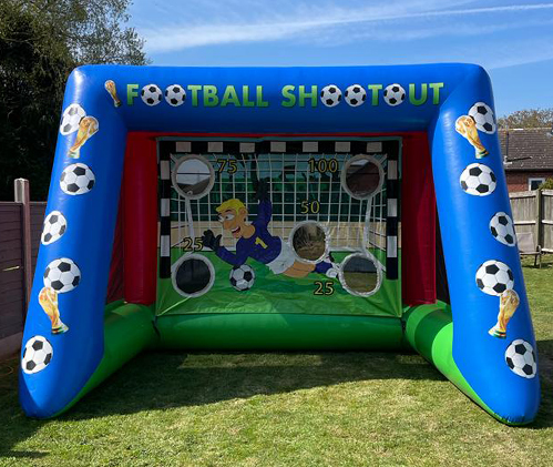 Penalty shoot out garden game